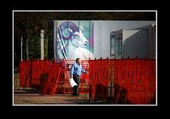 Stadsgezichten / Townfaces (Theo Kelderman) Tags: man holland netherlands canon foto circus nederland denhaag posters hek straat stadsgezichten 2011 theokeldermanphotography townfaces