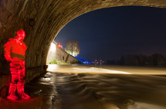 En coutant la loire (apophisnico) Tags: light woman lightpainting man painting sony led pont loire bonhomme orlans lightman georgesv a350 lightmen