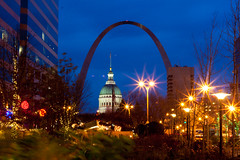 "First try outside of ""The world"" - The Gateway Arch in St. Louis (BretJMiller) Tags: world city travel trees light house night court arch stlouis nighttime missouri gatewayarch gateway courthouse cardinals"