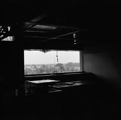 1064 (glsj) Tags: 120 2011 6x6 aristaeduultra400 blackandwhite blancoynegro diafine epsonperfection4490photo escannerdecamaplana flatbedscanner formatomedio iso400 mayo mediumformat mexico museocarlospellicer negative negativo rangefinder s11123575 seagull2031 tabasco telemetrica ventana villahermosa window