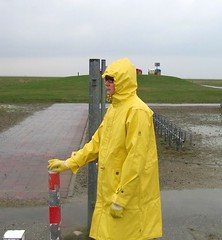 Jeantex Friesennerz Parka (Nordsee2011) Tags: boots raincoat rubberboots rainwear gummistiefel rainboots regenjacke regenmantel rainclothes friesennerz ostfriesennerz regenkleidung regenbekleidung weatherwear