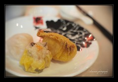 Dimsum (Iluminare is home!) Tags: food restaurant salad tea chinese dimsum prawn dumpling siewmai hargao borderfx