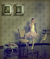 Val Ballerina 3 (EUGENIO SILICEO) Tags: city pink girls ballet tattoo umbrella mexico chair ballerina df antique suicide piercing retro val silla tatoo sombrilla tatuaje berman eugenio pircing tatuar siliceo