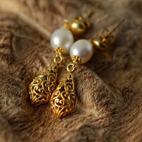 white freshwater pearl 22k gold filigree vermeil earrings