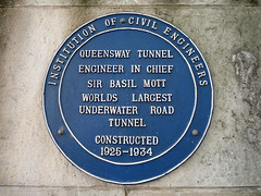 Photo of Basil Mott blue plaque