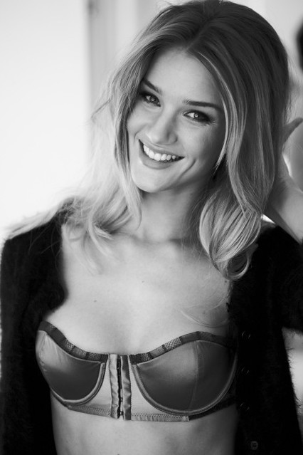 rosie huntington whiteley bellazon