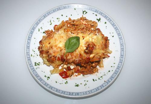 49 - Putengyros-Nudelauflauf / Turkey gyros noodle casserole - Serviert