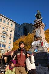 Occupons Montreal - eu, Clara e Sara :) (tiagovaz) Tags: canada d50 nikon quebec montreal 18105mm occuponsmontreal