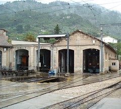 Engine shed (Concorps) Tags: old railroad travel vacation mountain architecture buildings landscapes spain scenery track sony transport scenic eisenbahn rail railway trains historic spanish  bahn mallorca palma  spoor spoorwegen soller      serradetramuntana      bunyola  ferrocarrildesller   dscw220