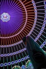 Glow - Meneer Anton (leuntje) Tags: netherlands statue glow eindhoven philips explore cupola dome noordbrabant lichtstad lightevent antonphilips luminariedecagna waanenwerkelijkheid internationalforumoflightandarchitecture meneeranton