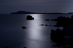 Moon and Sea (Ahio) Tags: longexposure blue moon seascape night coast mediterranean shorelines nocturnal surface luna explore moonlight menorca fornells balearicislands tirant cavallera samola smcpentaxda35mmf28 pentaxk5