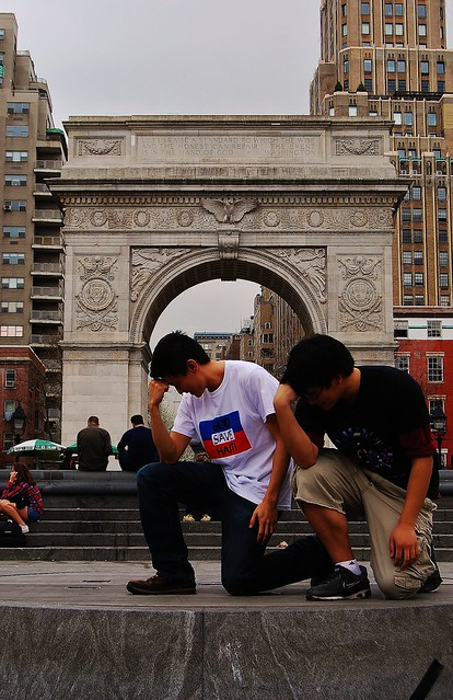 Tebowing NYC