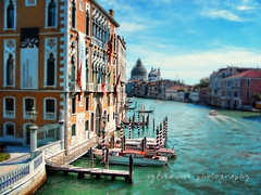 Grande canal viewpoint (slcook52 (Sylvia)) Tags: travel bridge venice vacation urban italy texture architecture boat canal colorful gondola grandcanal selectivefocus copyrightedallrightsreserved sylviacookphotography
