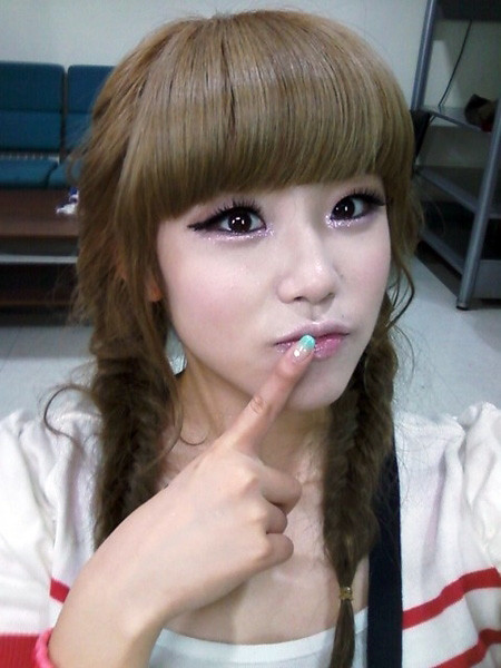 SECRET's Hyosung tries to 'act pretty'