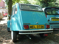 2cv Special WEL373X Exeter (C.Elston) Tags: blue red white forsale citroen engine hidden help devon exeter repair covered 2cv parked ruby rotten dolly 602 2cv6 wel373x d670uan b755caf