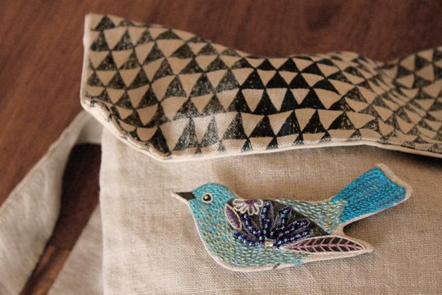 Birdie brooch