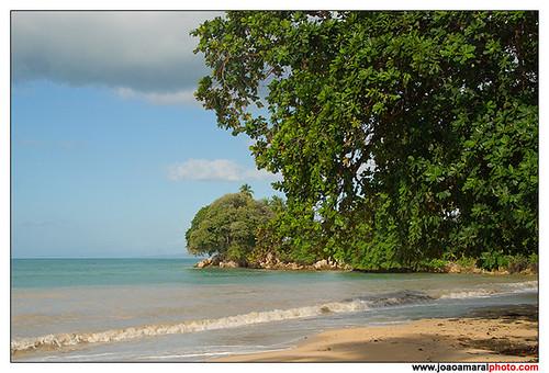 Baucau Beach by joaoamaralphoto
