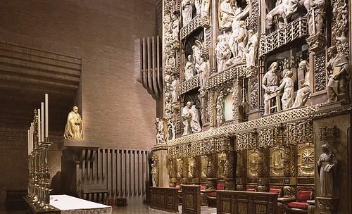 Presbiterio del templo
