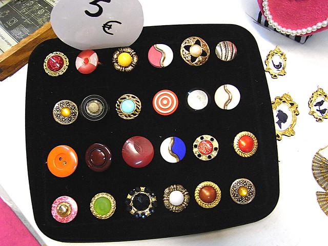 anillos con botones