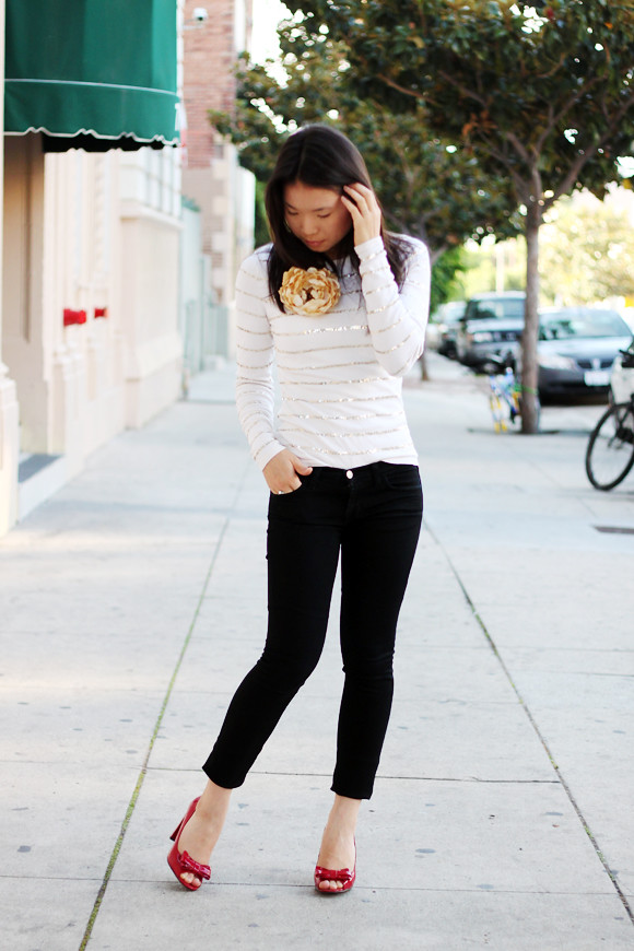 How to wear skinny jeans modestly