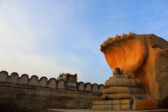 cradle (themargi) Tags: india temple andhra lepakshi vijayanagara