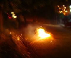 Rue de Delhi - Diwali (Adrakk) Tags: india festival fireworks cracker diwali firecracker ptard inde feudartifice pataka dipavali