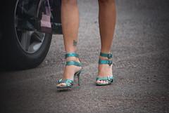 2177tw (Chico Ser Tao) Tags: street woman sexy walking highheels legs mulher pernas rua caminhada voyer saltoalto voyerismo