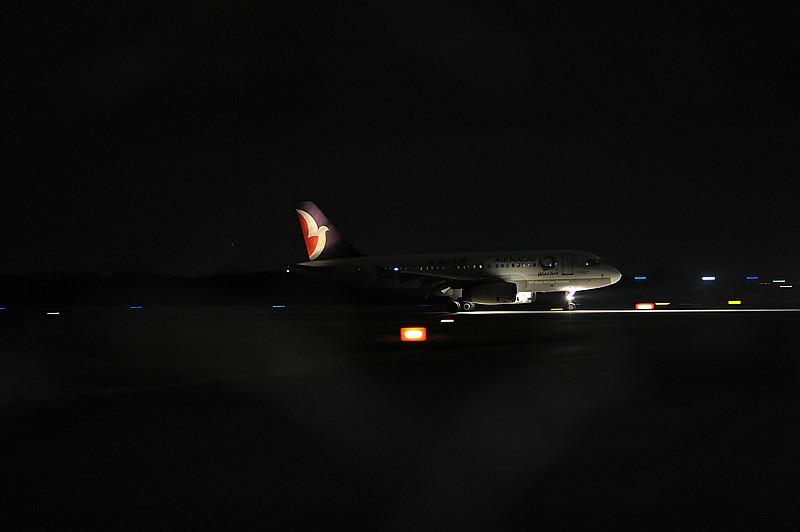 大園夜 追飛機