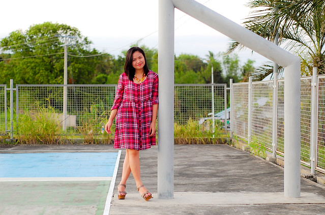 2nd hand HM Gingham Dress, Denise Katipunera, Pinay Fashion blogger, mommy style, budget fashion, thrifting