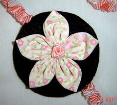Colar artesanal (Pequenas Reliquias) Tags: handmade moda fuxico feltro colar colares fita aplique acessrio torsade fitadecetim apliquee flordefuxico colarartesanal torsadedefitascolarescolarartesanalfuxicoapliqueapliqueehandmadeacessriomodaflordefuxicofeltrofitadecetimtorsadedefitas