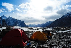 Goro II (Asif Saeed [ Thankx for 550K + viewz .....]) Tags: camping pakistan camp snow mountains sunshine trekking photography ali glaciers fields k2 blizzard asif landscapephotography baltoroglacier pakistanlandscape nothernpakistan trekkerz asifsaeed gettyimagesmiddleeast