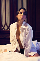 Cosmo Hotel (AnnuskA  - AnnA Theodora) Tags: light portrait woman boyfriend beautiful shirt hotel skin gorgeous atmosphere piercing sensual belly brazilian brunette whiteshirt
