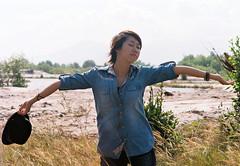 [フリー画像素材] 人物, 女性 - アジア, 深呼吸, ベトナム人, ジーンズ ID:201111101400