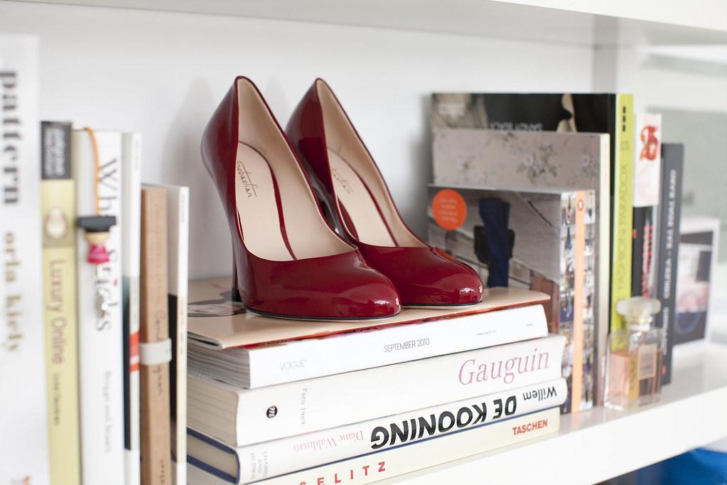 sebastian shoes, italian shoes, red shoes, red stiletto, cristobal ljubljana, editorial