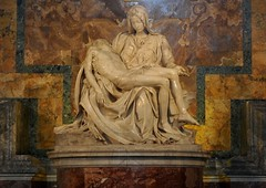 'Pietà' St. Pieter Rome (FaceMePLS) Tags: italy sculpture vatican rome roma art church italia kunst sculptuur kerk italie paus romancatholic rk vaticaan vaticaanstad facemepls roomskatholiek nikond300