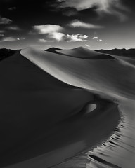 Serpentine (~ superboo ~ [busy busy]) Tags: morning shadow sand dunes smooth footprints velvet line deathvalley ridgeline serpentine scurve stovepipewells mesquitedunes