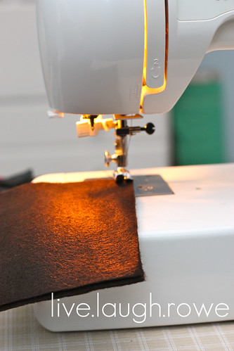 felt tissue box cover_sewing machine