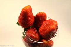 sttil01-28 (Patricia Barcelos) Tags: frutas still sexo morango pimenta sensualidade imaginao calcinha sexualidade afrodisiaco patriciabarcelos patbarcelos patfotgrafa