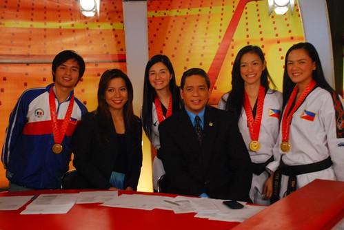 Taekwondo jins with Iba Balita anchors (photo by Ryan Ramos)