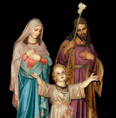 La sagrada Familia (Carlos Gonzlez Lpez (carlosfoto.es)) Tags: retrato iglesia figuracion