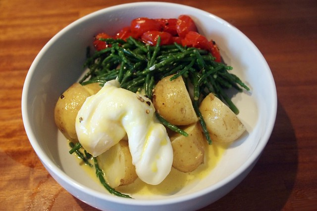 Samphire, poached egg, new potato, hollandaise