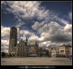 St-Rumbolds Cathedral :: Vertorama (Erroba) Tags: sky church clouds canon square cathedral belgium belgique belgi sigma 1020mm erlend mechelen margareta medeivel 60d saintrumbolds vertorama erroba robaye sintroumbouts