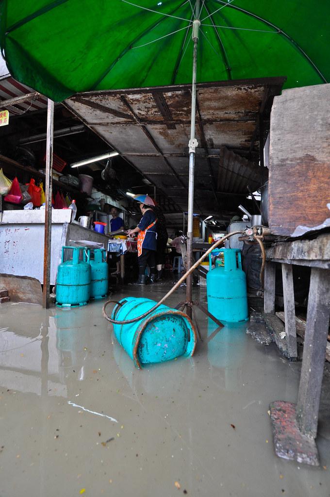 A city after the rain 雨后的吉隆坡 ...