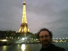 Adios Paris, regreso a mis lunitas y a ella. Son mi patria by manuel guerrero