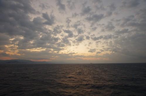 船上からの朝焼け