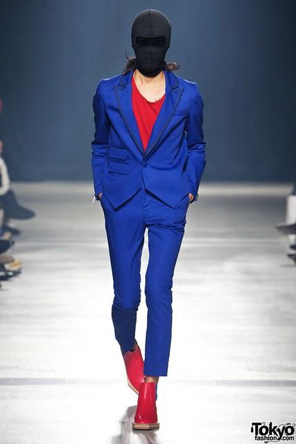 Banal-Chic-Bizarre-Menswear-Japan-Fashion-Week-2012-SS-008-600x899