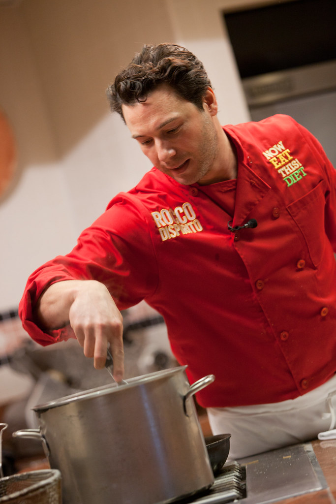 Rocco DiSpirito '86 demonstrates some healthy cooking techniques