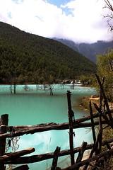 Blue Moon Valley, Jade Dragon Mountain, Lijiang (damiendm63) Tags: blue light water canon lens landscape photo photographer view shangrila bluemoonvalley lijiangtibetyunnanchinechinavoyagetrippaysagesunsetnatureyulongmontainmontagnealtitudenuagecloud