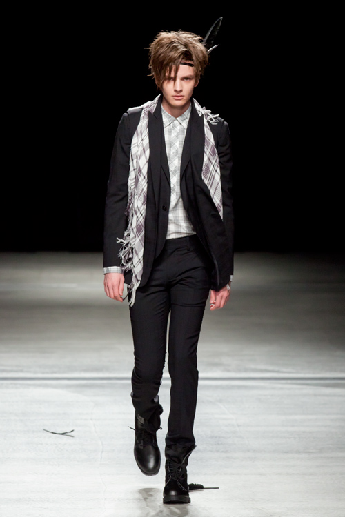 Zdenek Zaboj3100_SS12 Tokyo HEADL_INER(Fashion Press)
