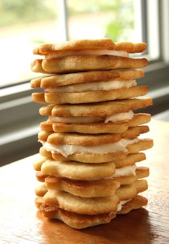 Stuffed Maple Sandwich Cookies